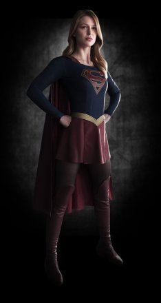 SUPERGIRL-First-Look-Image-Full-Body-1425676261